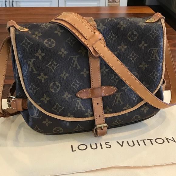 a14e4a898544 ... ❤️Louis Vuitton Saumur 30 vintage authentic❤ innovative design c5ae4  dda5c  1991 Vintage Louis Vuitton Paris Saumur Monogram Canvas ...